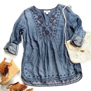 Vintage America • Chambray Embroidered popover top